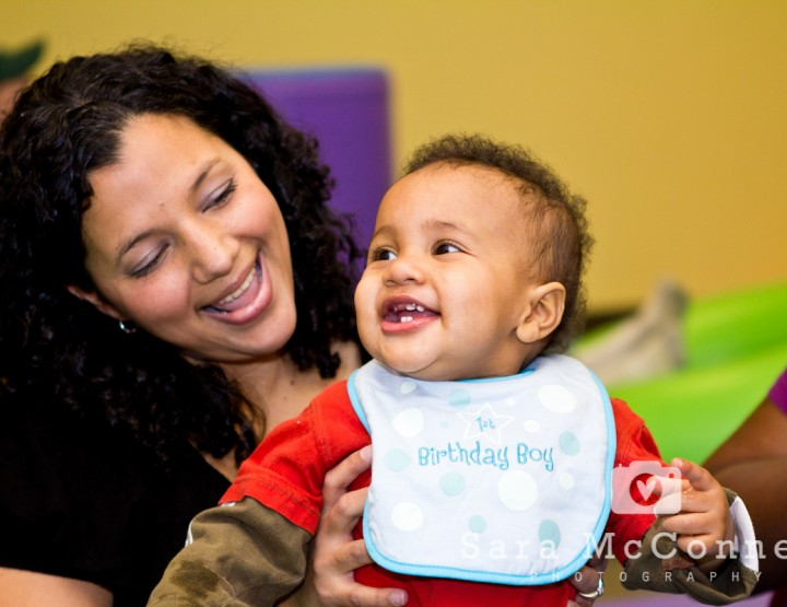 {First Birthday Party} at Gymboree - Ottawa Children's Photographer