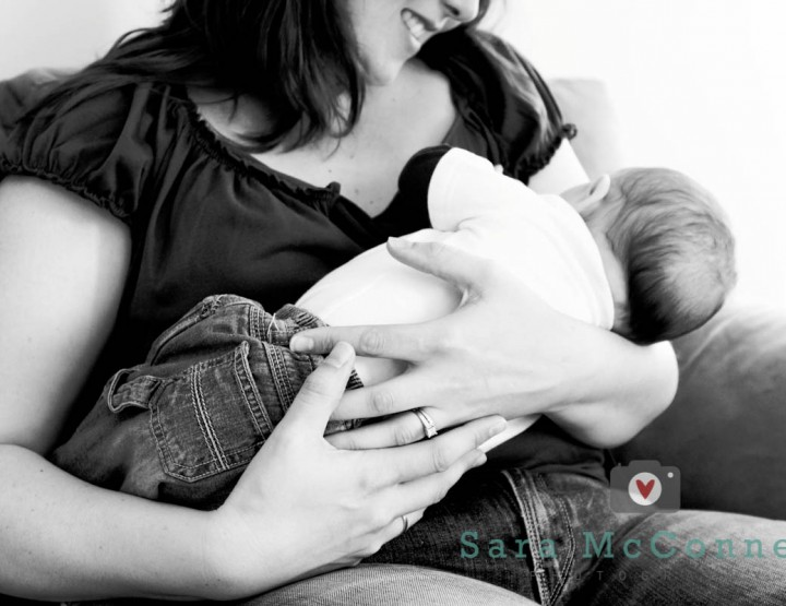 {Breastfeeding Photography} Bookends - Ottawa Photographer