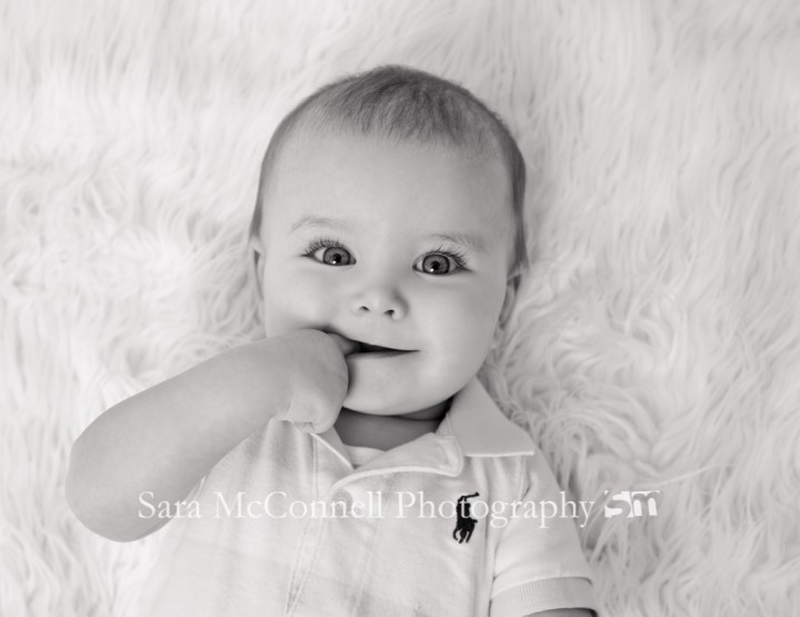 Big blue eyes ~ Ottawa Baby Photographer