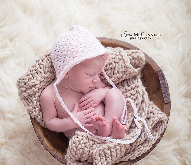 Newborn baby girl - Ottawa Newborn Photographer