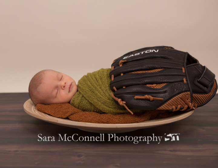 Little slugger ~ Ottawa Newborn Photographer