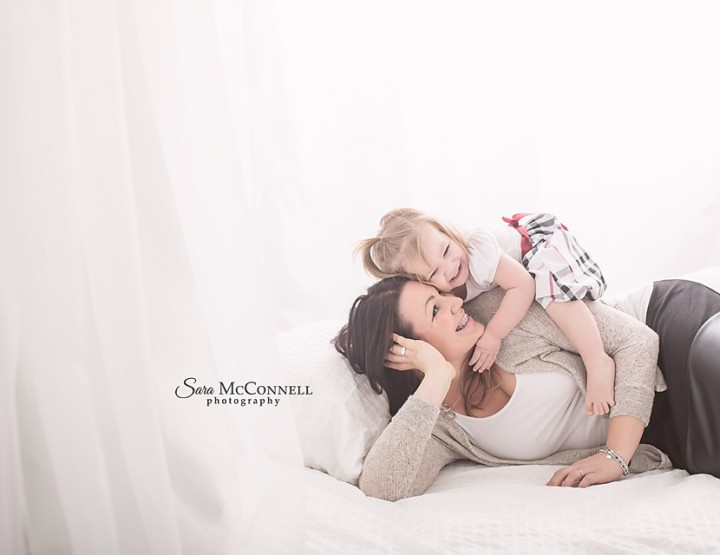 Snuggle up! ~ Ottawa Family Photographer