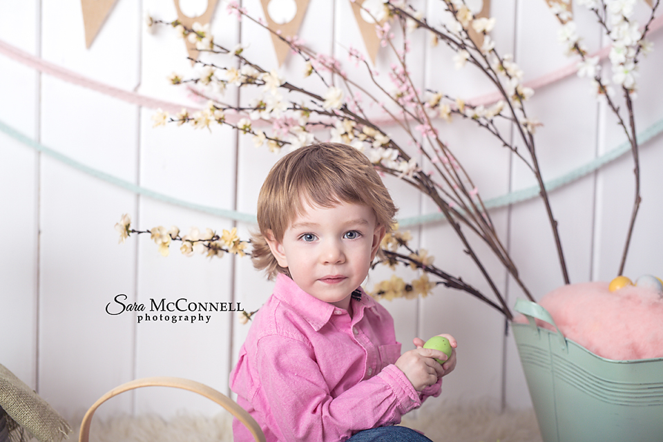 The last time I saw baby O he was just two weeks old and how he's nearly one!  His big brother was so excited for his Easter session after looking at the photos from the set online with his mom and I loved getting to see how much these adorable brothers had grown since last Spring