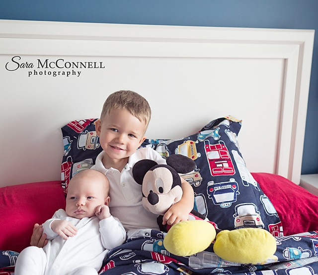 Ottawa Newborn Photographer | Brothers at home