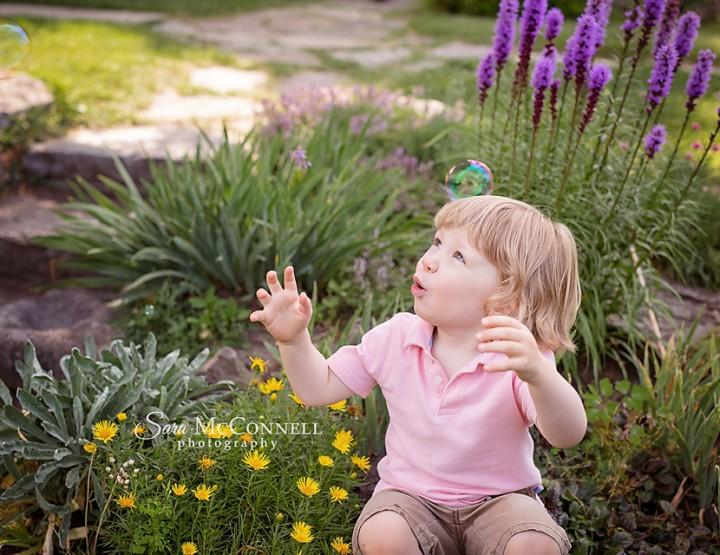 Ottawa Family Photographer   Pop the Bubbles!