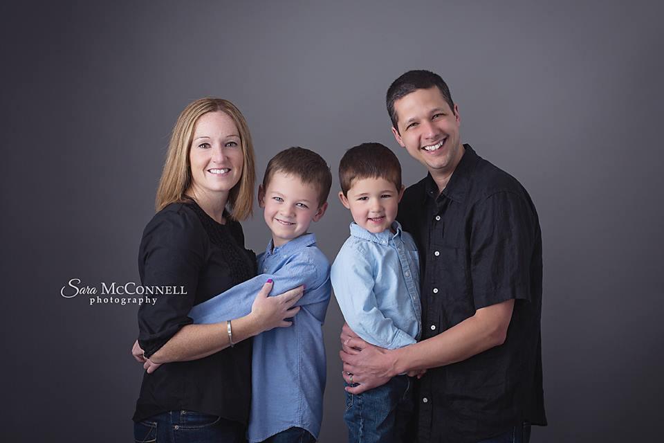 ottawa family photographer posed family photo