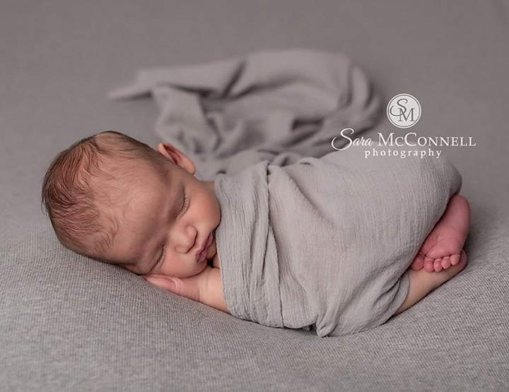 Ottawa Newborn Photographer | See my favourite session photo