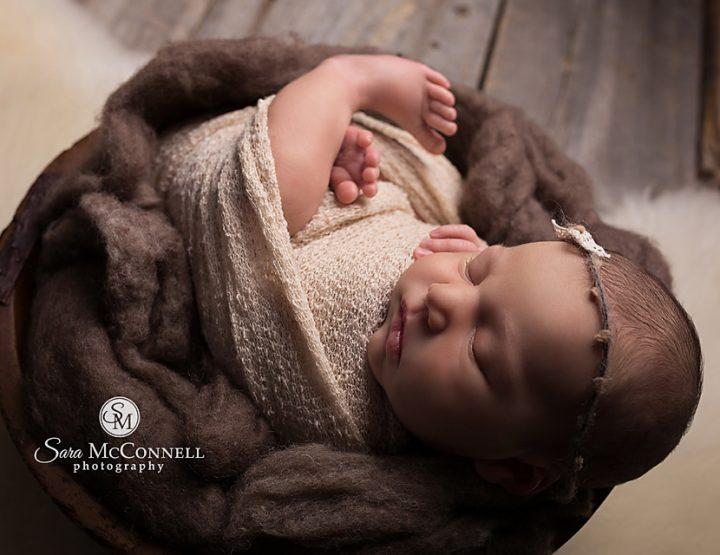 Ottawa Newborn Photographer | Rustic