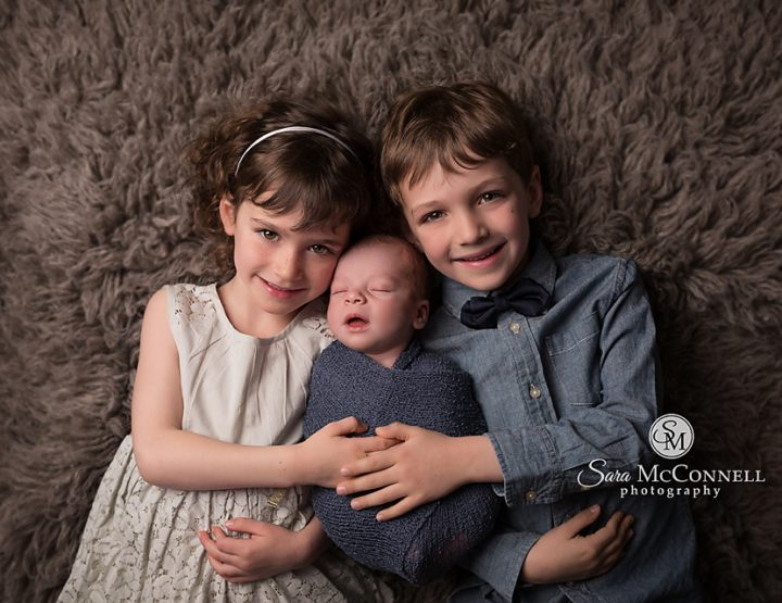 Ottawa Newborn Photos | Siblings and smiles