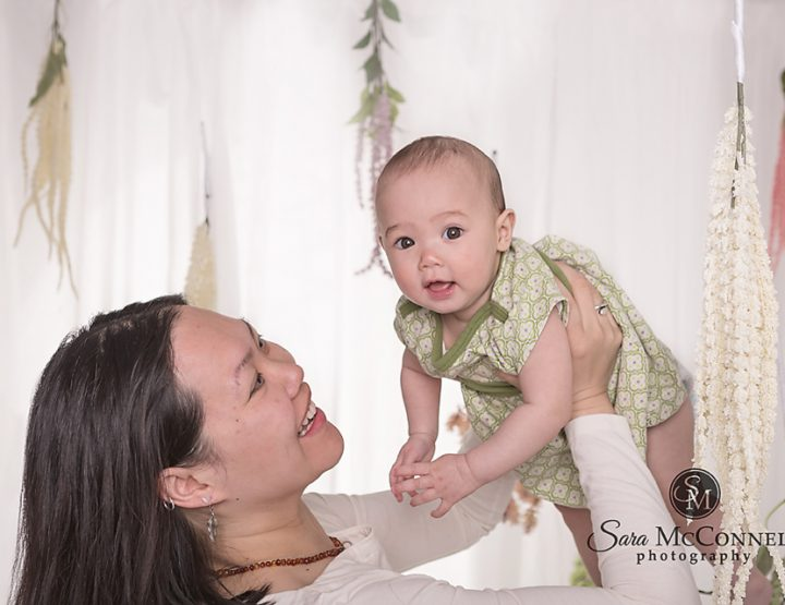 Ottawa Family Photographer | Mother's Day Hugs and Smiles