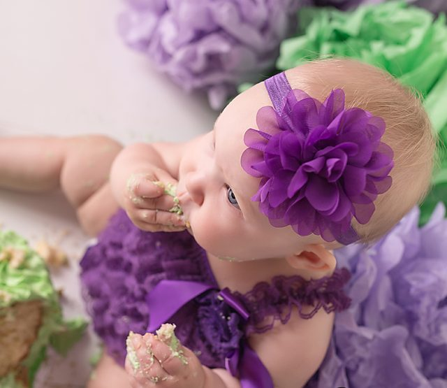Can you guess what her mama's favourite photo from this first birthday cake smash?