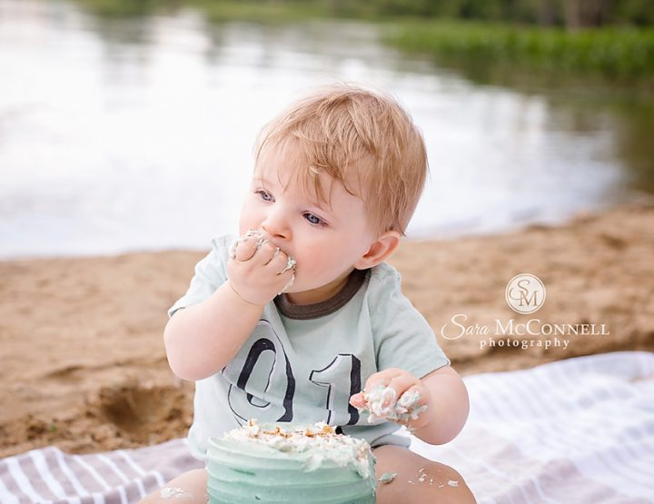 Ottawa Baby Photographer | Cake by the...water