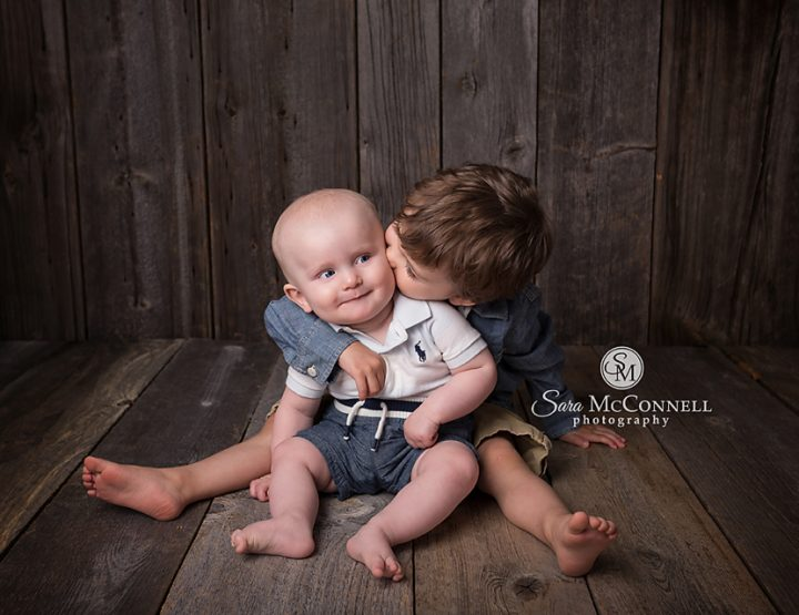 Ottawa Baby Photographer | Brotherly love