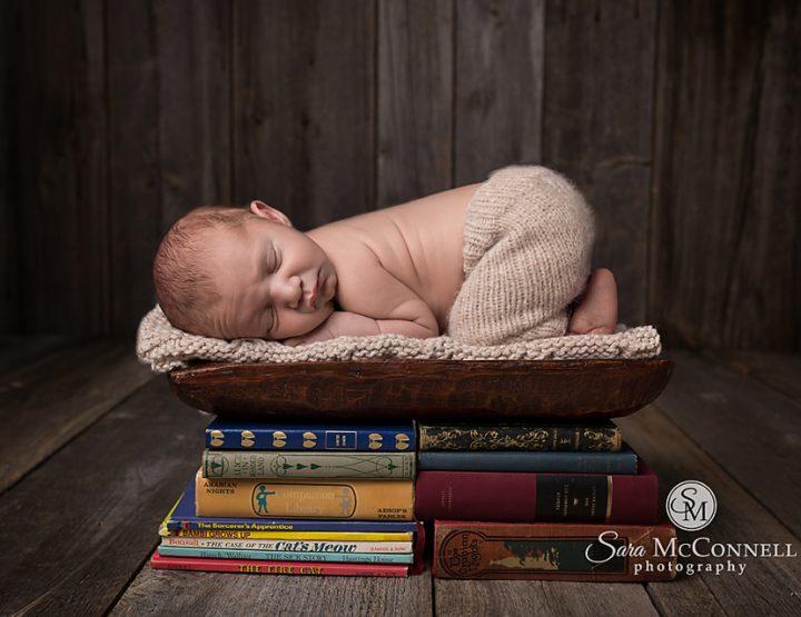 Ottawa Newborn Photographer | Book Lovers