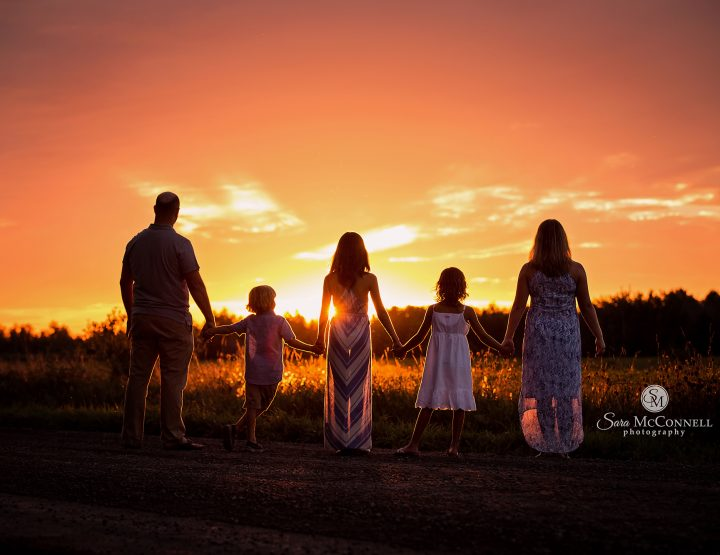 Ottawa Family Photographer | Year after Year, this tradition remains