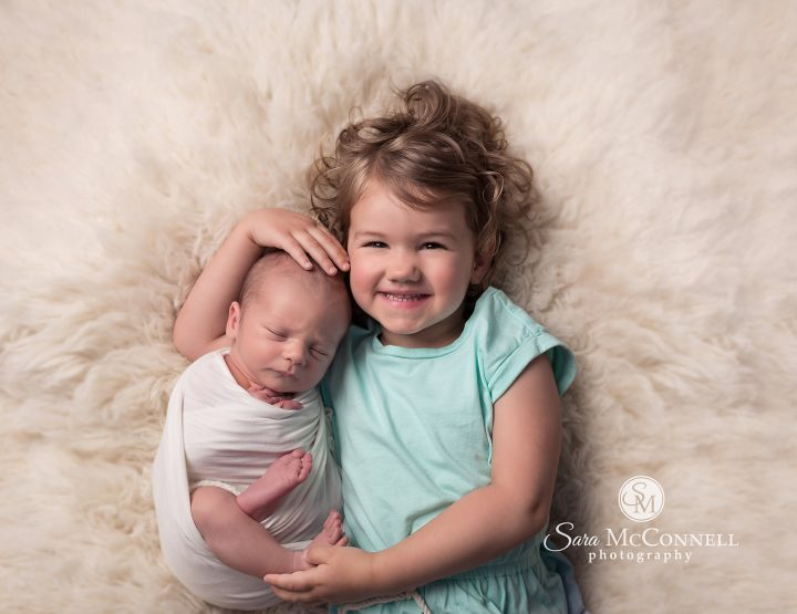 Ottawa Newborn Photographer | Big sister, Sara's helper