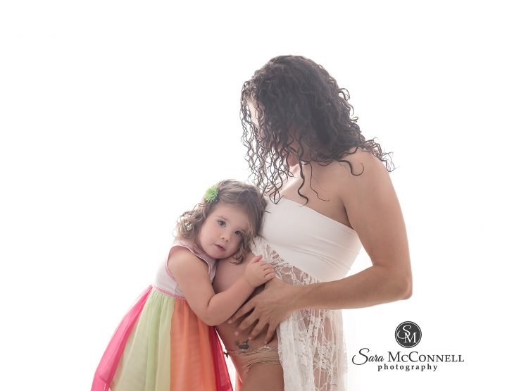 Ottawa Maternity Photographer | Baby girl and baby