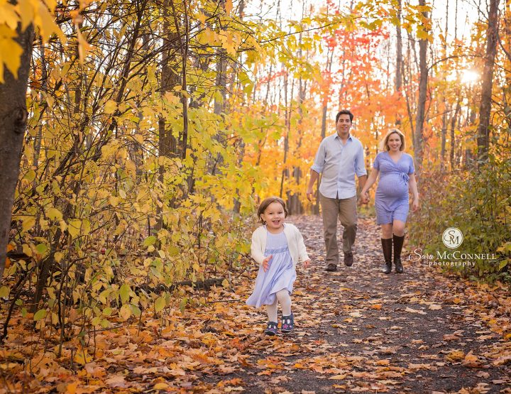 Ottawa Maternity Photographer | Family Smiles