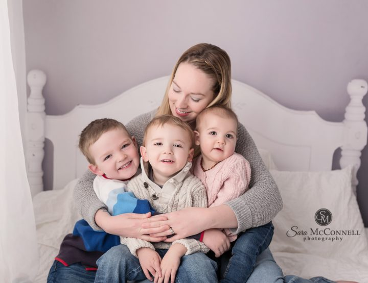 Ottawa Family Photos | Snuggles like her brothers