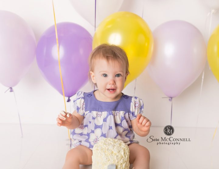 Ottawa Baby Photographer | Birthday balloons and cake