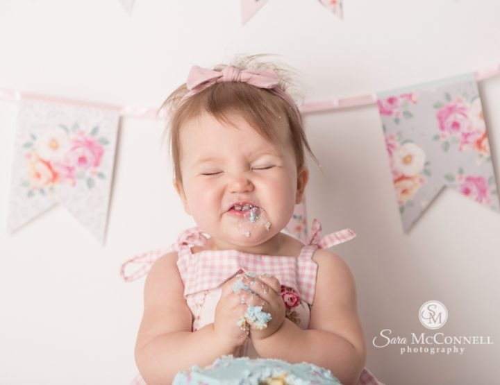 Ottawa Cake Smash Photographer | Smile!