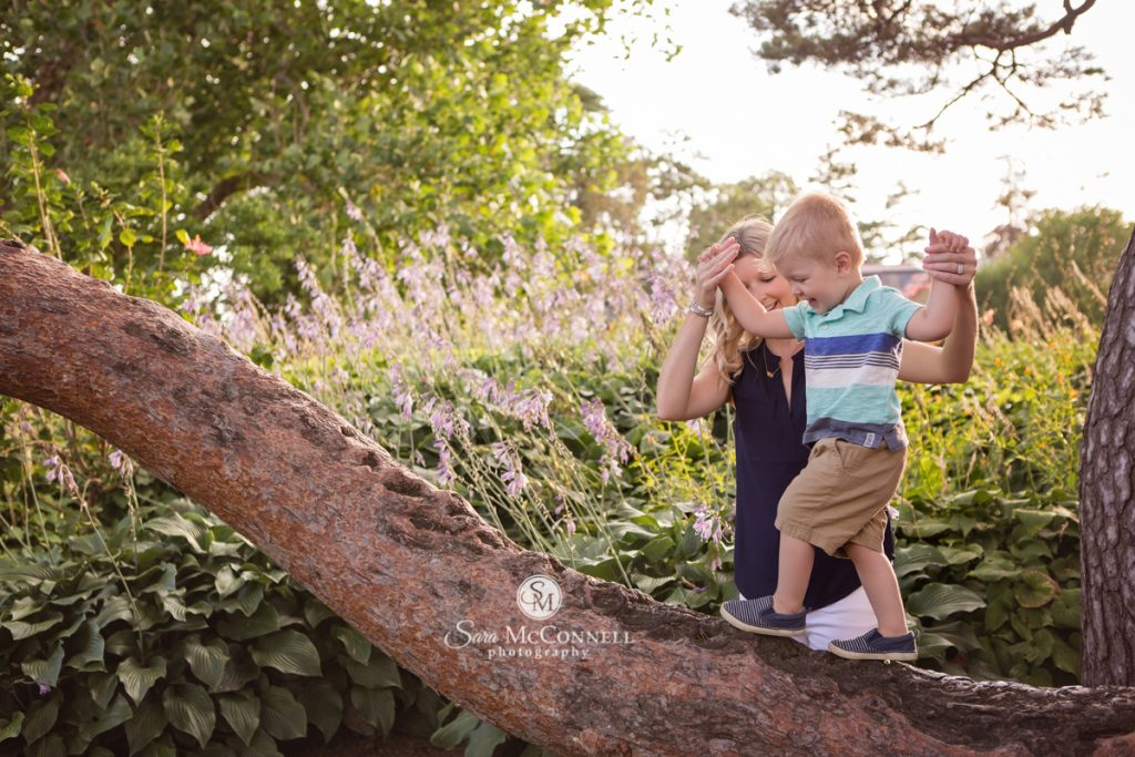 ottawa-family-photos-in-the-garden