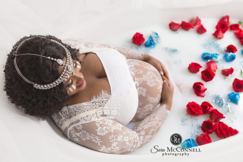 ottawa-maternity-photos-milk-bath