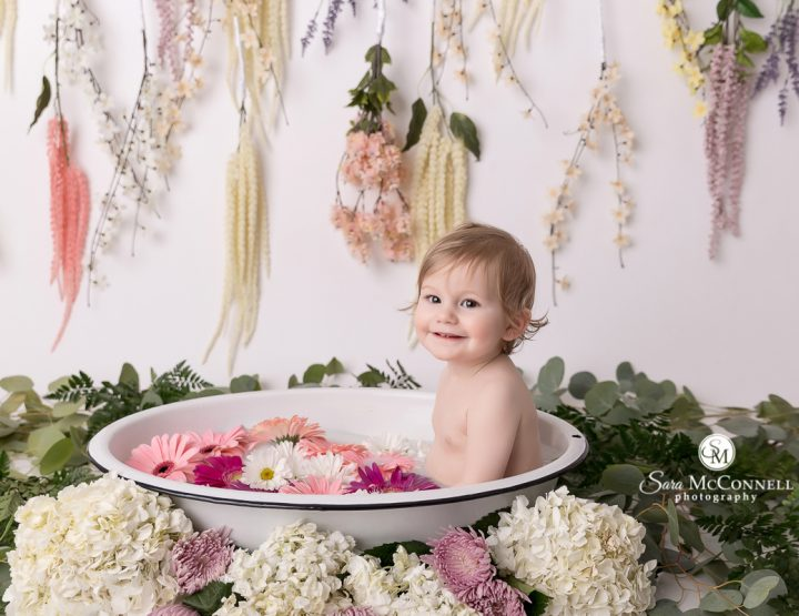 Ottawa Baby Photos | Flowers in the tub