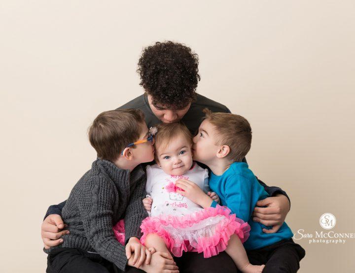 Ottawa Baby Photographer | Birthday with her brothers