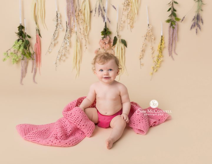 Ottawa Baby Photographer | Books, flowers and a birthday