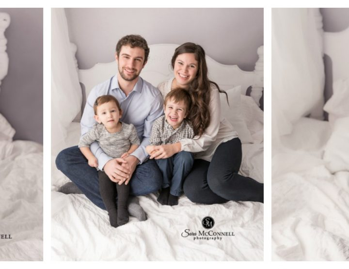 Ottawa Family Photographer | Snuggling Together