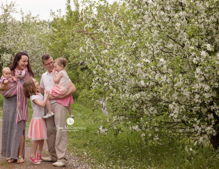 Ottawa Family Photographer | Blossoms in Ottawa
