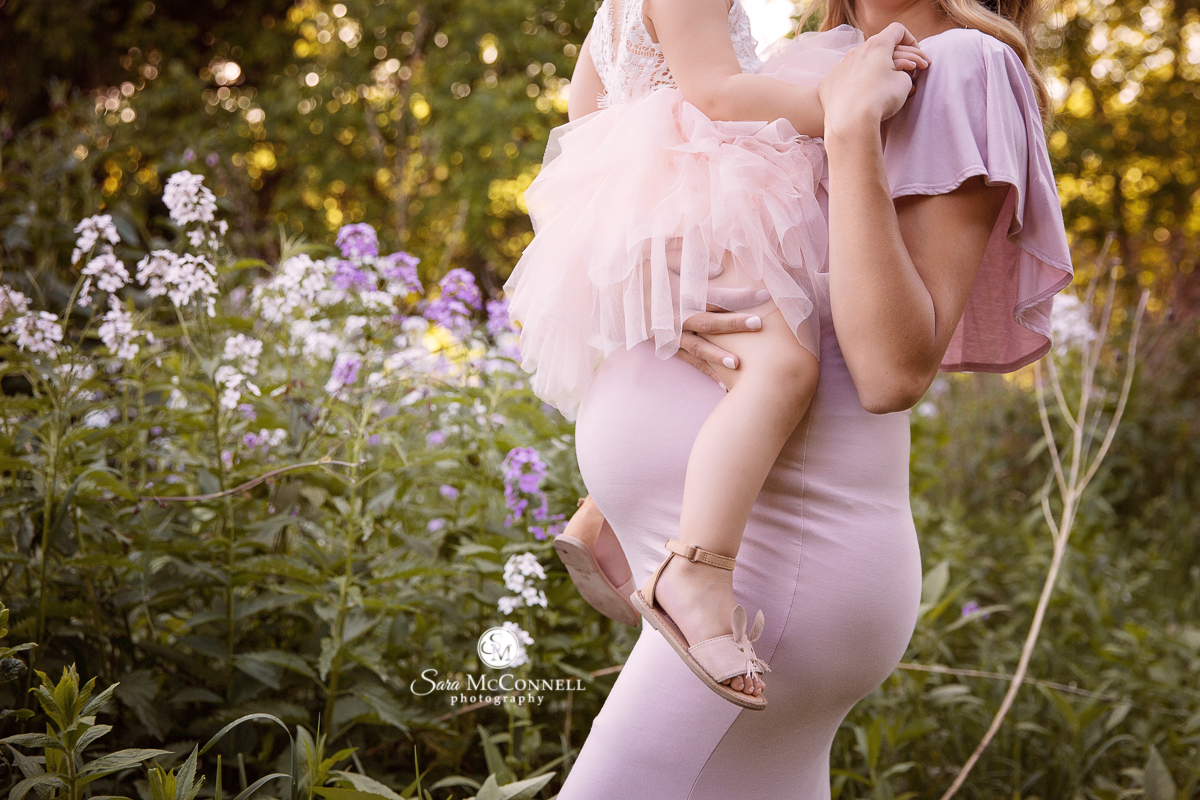 Ottawa maternity photos - outdoor session by Sara McConnell Photography