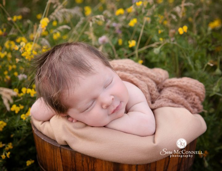 Ottawa Newborn Photographer | Outdoor Newborn Photos