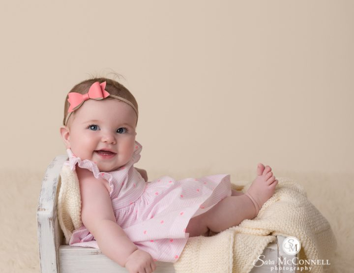 Ottawa Baby Photos | With a pink bow