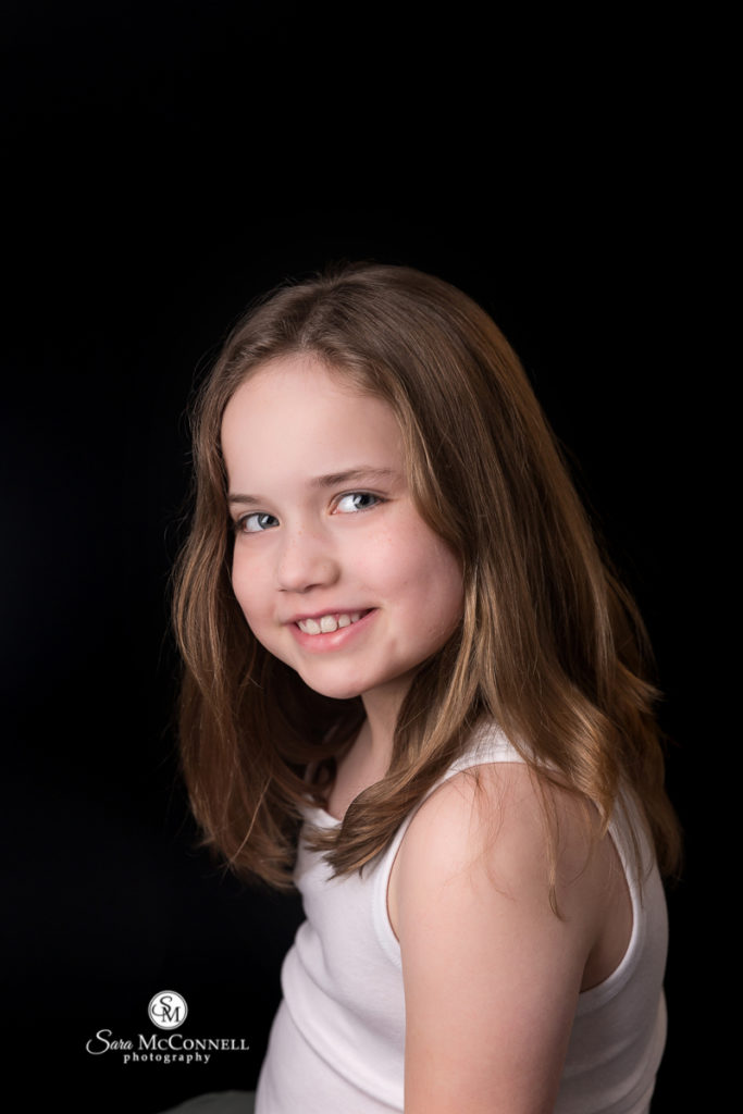 photo of a young girl for extraordinary you youth photos with sara mcconnell photography