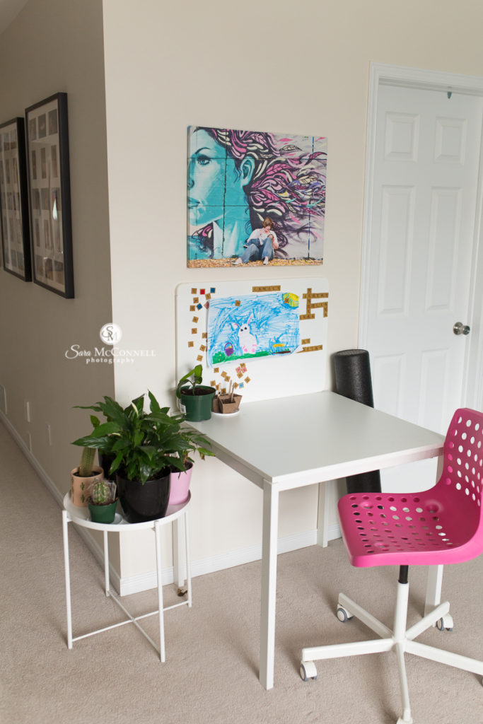 photo of desk in the office of sara mcconnell photography
