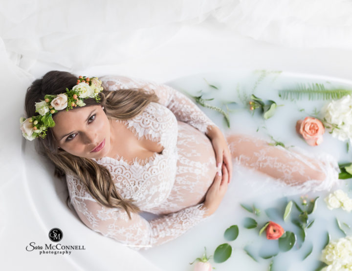 Ottawa Maternity Photographer | Milk Bath