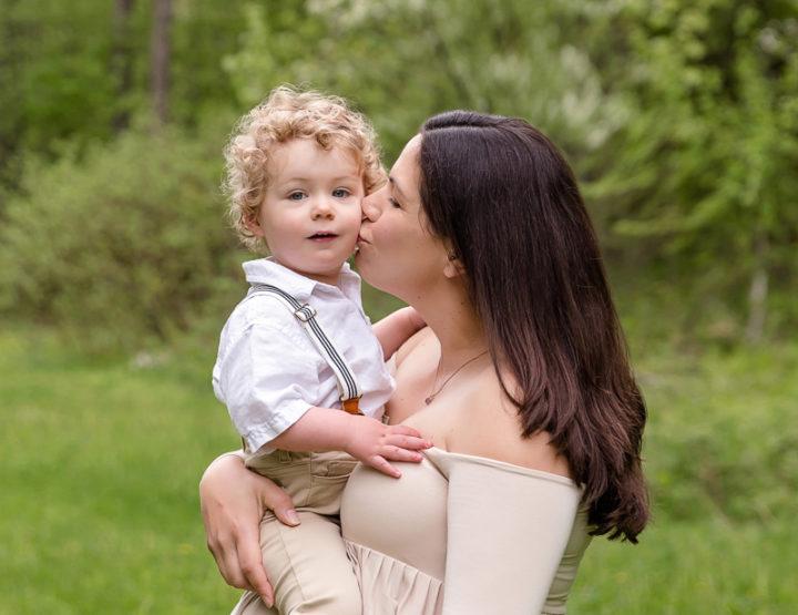 Outdoor Maternity Photos in Ottawa