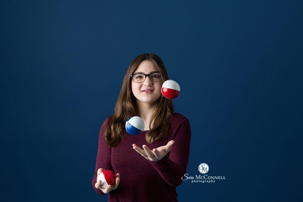 girl juggling