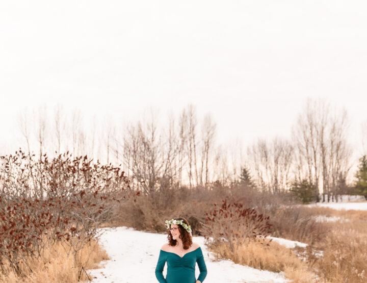 Christmas Maternity Session | Ottawa Photographer
