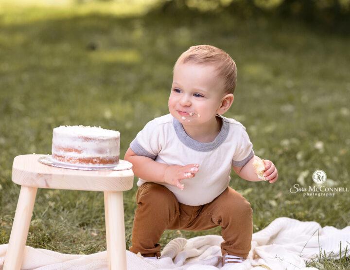 Balloons & Cake | Ottawa First Birthday Photos